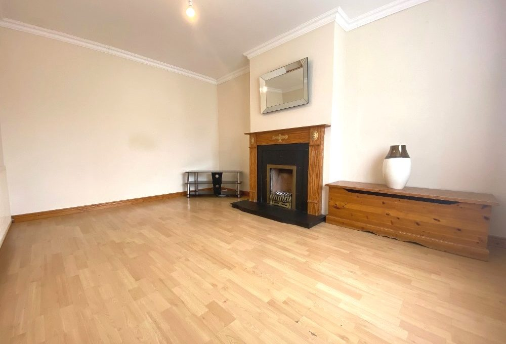 6 Westbourne View - living room 1