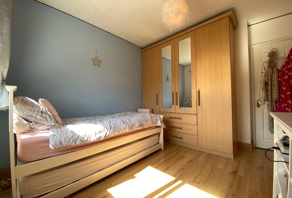 33 Woodford Court bed 2